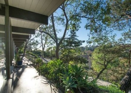2120-Avon-St-Los-Angeles-CA-90026-Echo-Park-Hills-Architectural-Home-Sold-31-e1450087893712