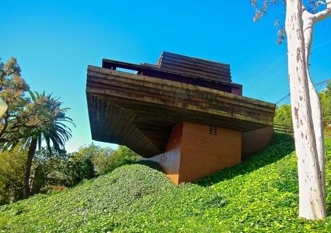 Frank Lloyd Wright george sturges house brentwood 2