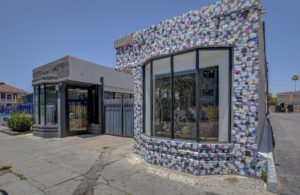 3019-3023 W 6th Street – 3-Building Artistic Compound