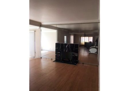 2075-W-29th-Place-Los-Angeles-CA-90018-Jefferson-Park-Triplex-Multi-unit-Income-Property-4-720×467