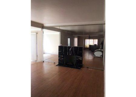 2075-W-29th-Place-Los-Angeles-CA-90018-Jefferson-Park-Triplex-Multi-unit-Income-Property-4-720×467