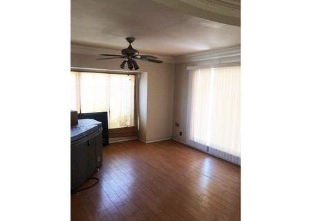 2075-W-29th-Place-Los-Angeles-CA-90018-Jefferson-Park-Triplex-Multi-unit-Income-Property-5-720×467