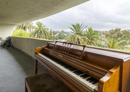 1701-Clinton-Street-201-Echo-Park-Los-Angeles-CA-90026-2-Bed-1-Bath-Condo-For-Sale-Figure-8-Realty-14