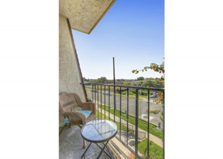 19024-Entradero-Ave-Torrance-CA-90503-3-Bed-3-Bath-Townhouse-For-Sale-near-Redondo-Beach-Figure-8-Realty-Los-Angeles-19