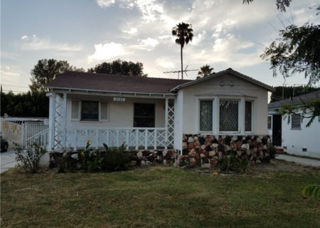 2137-Thurman-Ave-Los-Angeles-CA-90016-3-Bed-2-Bath-Mid-City-Traditional-Fixer-Home-Sold-2