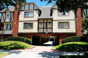 SOLD: 659 Alexander St #7, Glendale Tri-Level Townhouse!