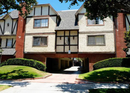 659-alexander-street-7-glendale-ca-91203-3-bed-3-bath-townhouse-for-sale-1