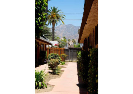 659-alexander-street-7-glendale-ca-91203-3-bed-3-bath-townhouse-for-sale-2