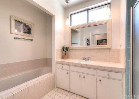 11838-Hartsook-Street-Valley-Village-CA-91607-Los-Angeles-Home-Sold-Figure-8-Realty-16