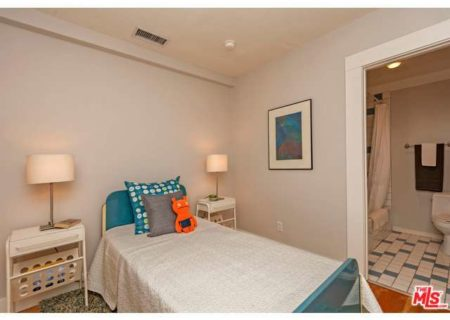 2222-Willetta-St-Los-Angeles-CA-90068-Figure-8-Realty-17