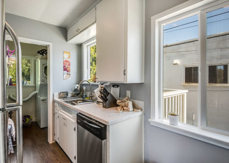 838-N-Ridgewood-Pl-Los-Angeles-CA-90038-Renovated-Hollywood-Triplex-Income-Property-for-Sale-Figure-8-Realty-24