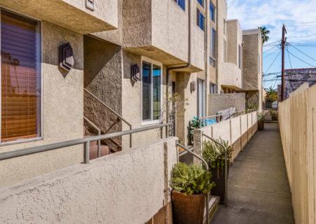 856-Van-Ness-2-Bedroom-Condo-Hollywood-for-Sale-Buy-a-2-bedroom-condo-in-Hollywood-figure-8-realty-211
