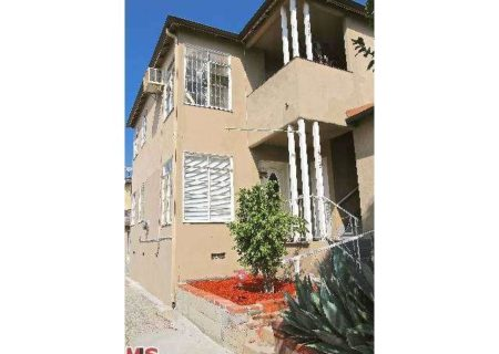 Buyers-Dream-Los-Angeles-Income-Property-for-Sale-in-Echo-Park-Investment-Property-for-Sale-in-Elysian-Heights-6-unit-home-in-elysian-park-buy-sell-or-lease-with-figure-8-realty-LA-1