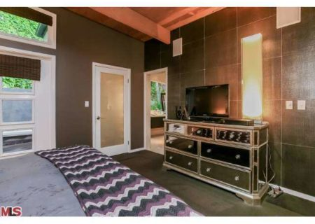 Figure-8-Realty-Home-for-Sale-in-Hollywood-Hills-House-for-Sale-in-Hollywood-Hills-Adina-Drive-90068-for-Sale-12