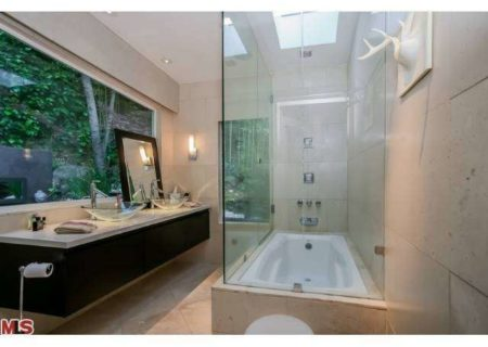 Figure-8-Realty-Home-for-Sale-in-Hollywood-Hills-House-for-Sale-in-Hollywood-Hills-Adina-Drive-90068-for-Sale-13