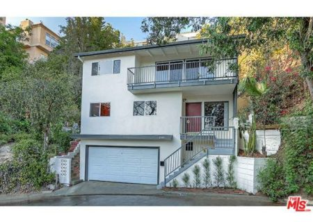 Tranquil-Hillside-House-in-Los-Feliz-for-Sale-Connect-with-a-Los-Angeles-Real-estate-agent-to-buy-a-house-in-Silver-Lake-Hollywood-Hills-Echo-Park-West-Hollywood-Income-Properties-Figure-8-Realty-1