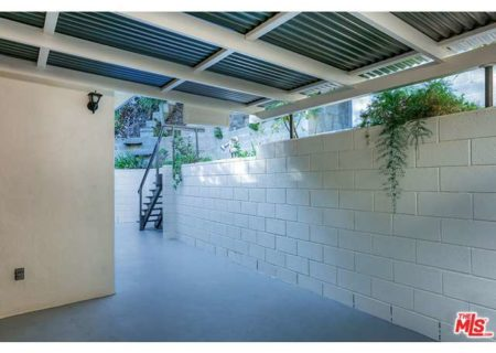 Tranquil-Hillside-House-in-Los-Feliz-for-Sale-Connect-with-a-Los-Angeles-Real-estate-agent-to-buy-a-house-in-Silver-Lake-Hollywood-Hills-Echo-Park-West-Hollywood-Income-Properties-Figure-8-Realty-14
