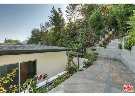 Tranquil-Hillside-House-in-Los-Feliz-for-Sale-Connect-with-a-Los-Angeles-Real-estate-agent-to-buy-a-house-in-Silver-Lake-Hollywood-Hills-Echo-Park-West-Hollywood-Income-Properties-Figure-8-Realty-15