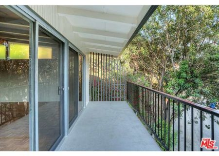 Tranquil-Hillside-House-in-Los-Feliz-for-Sale-Connect-with-a-Los-Angeles-Real-estate-agent-to-buy-a-house-in-Silver-Lake-Hollywood-Hills-Echo-Park-West-Hollywood-Income-Properties-Figure-8-Realty-19