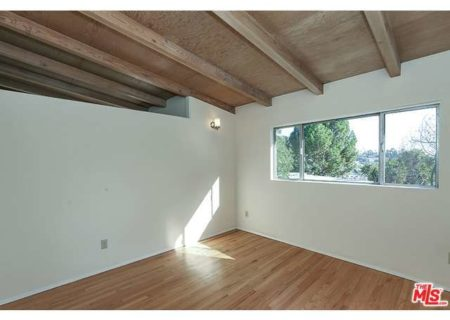 Tranquil-Hillside-House-in-Los-Feliz-for-Sale-Connect-with-a-Los-Angeles-Real-estate-agent-to-buy-a-house-in-Silver-Lake-Hollywood-Hills-Echo-Park-West-Hollywood-Income-Properties-Figure-8-Realty-9